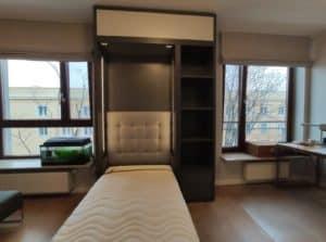 łóżko w szafie otwierane pionowo