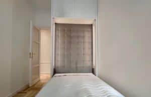 łóżko rozkładane na ścianę
